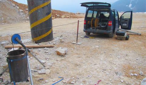 Bohrlochradarmessung zur Ortung einer Schachtverklausung in den Kalksteinwerken Steyrling, Österreich