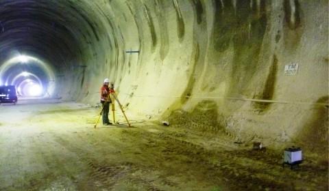 Gravimetrie zur Hohlraumsuche in einem Tunnel